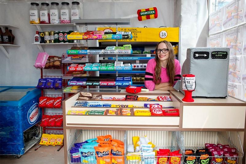 创意产品 | 英国艺术家Lucy Sparrow开了三家全部由毛毡制品组成的超市